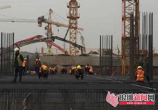800人奋战施工 鲁南高铁临沂北站月底具备铺轨条件
