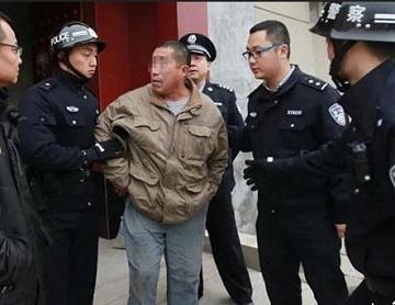 """济南""""抓老赖""""!法官、法警黎明前集结 现场逐一拘捕传唤"""