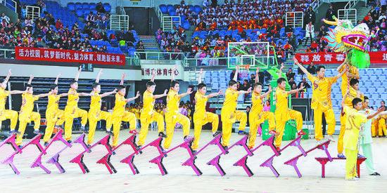 淄博市学校体育展演举行 1600余师生展示体育魅力