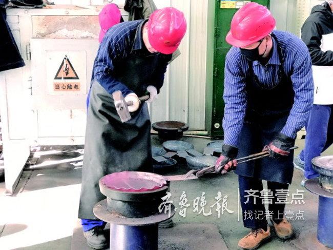 """""""网红""""章丘铁锅真的凉了吗? 调查:凉掉的都是假锅"""