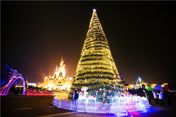惊喜2-欧乐堡圣诞树