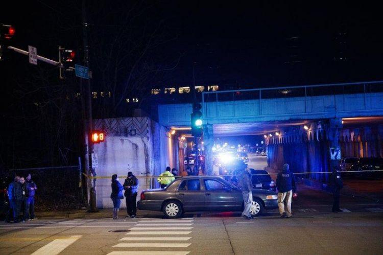 美国两名警察被列车撞死 当时正在调查一起枪击案