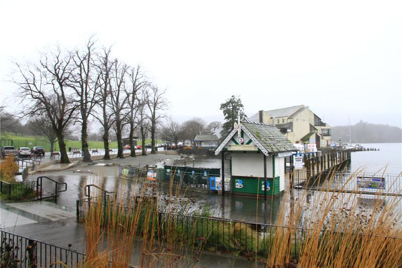 """48、温德米尔湖被画家誉为""""有史以来最美的风景"""",也是英格兰最大的湖泊。可惜一直下雨,有煞风景"""