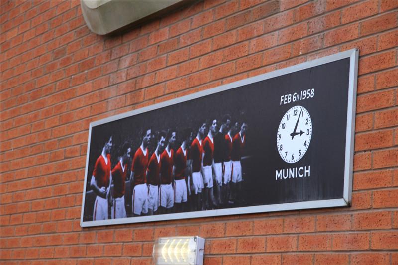 50、为1958年2月6日在慕尼黑空难中殉难的记者、队员和随队工作人员设立的纪念墙