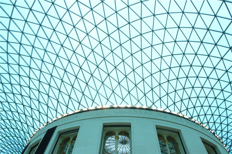 102、大英博物馆为世界四大博物馆之一,藏品达800多万件。这是博物馆穹顶