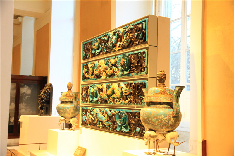 111、中国馆的器皿等展品