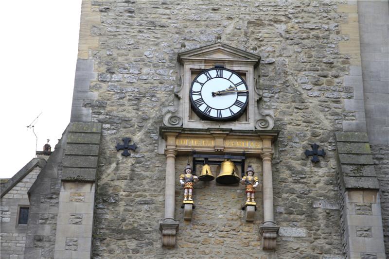 149、建于14世纪的卡法斯塔钟楼,每隔一刻钟敲响