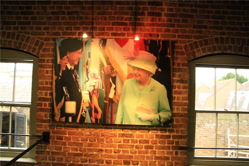 138、伊丽莎白二世女王照片