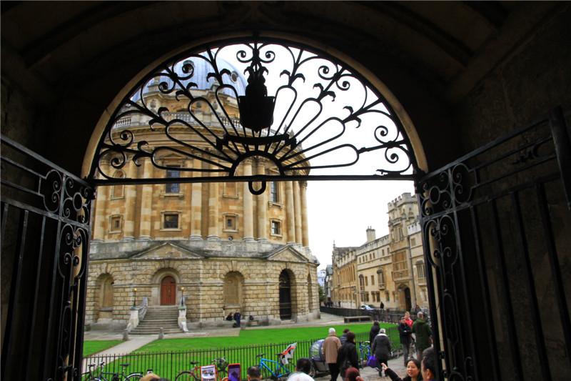 146、拉德克拉夫图书馆。牛津大学地标性建筑