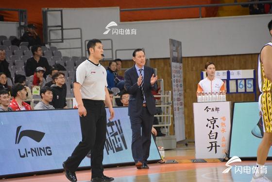 张德贵:打山东赢在篮板球上 解决队员心态是关键