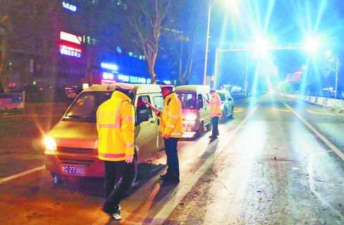 淄川交警一天查获12起酒驾 2人涉嫌醉驾