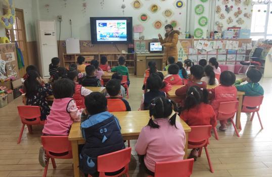 济南槐荫区实验幼儿园家长志愿活动:快乐童年,有你有我
