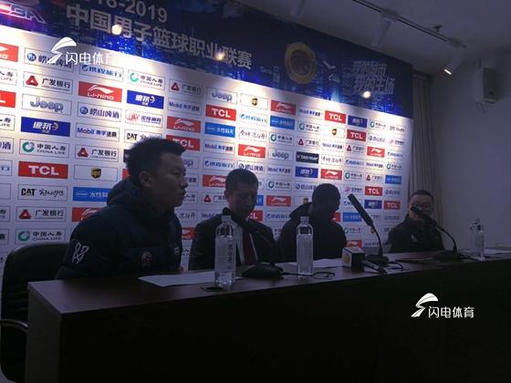 郭士强:山东本赛季实力确实下滑 小丁不在伤病有影响