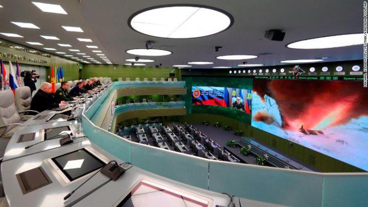 """普京:俄罗斯高超音速导弹""""无懈可击"""",已准备部署"""