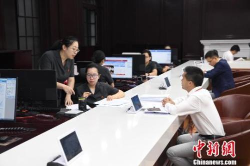 """中国债市跻身全球三甲 金融""""稳定器""""明年将持续发力"""