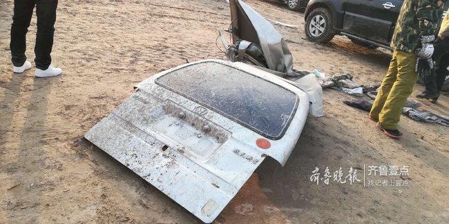 拖拽未果车报废,济南又一辆面包车陷黄河滩