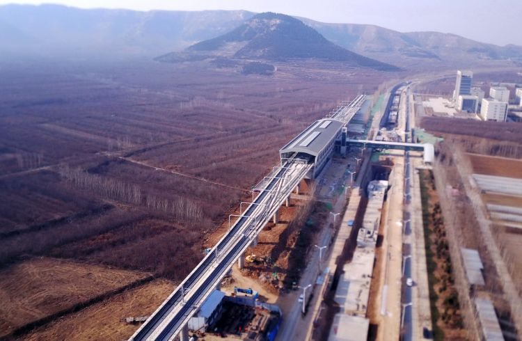 济南地铁工研院站:最南端的站,周边还是原野