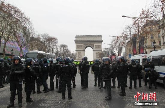 """法国2019年新年关键词:""""团结""""与""""改革"""""""