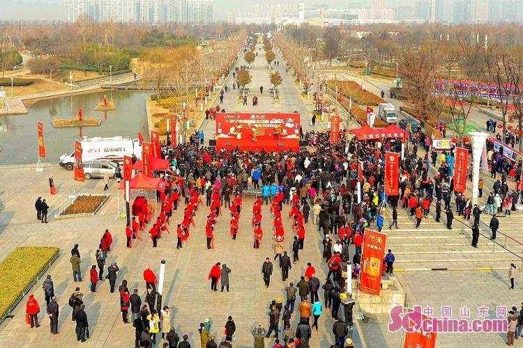 """太白湖捕鱼节新年开网 头鱼""""鱼王""""81.8斤!"""