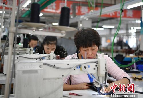 2018年前10月中国服装业利润同比增长约9%