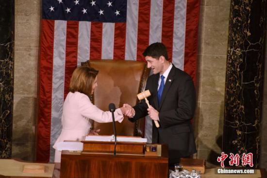 美新国会召开佩洛西任众院议长 特朗普表示祝贺