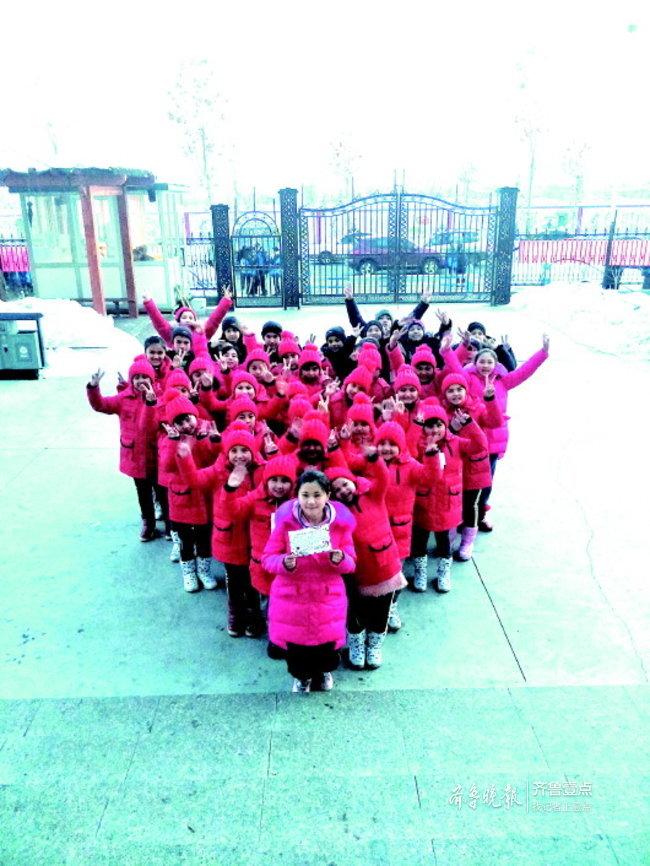 149件棉衣送到新疆伊宁,福利院的孩子们穿上新棉衣