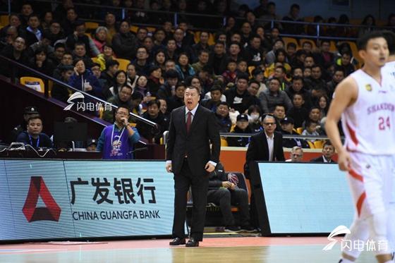 吴庆龙:球队缺少一个核心 盼更多本土球员站出来