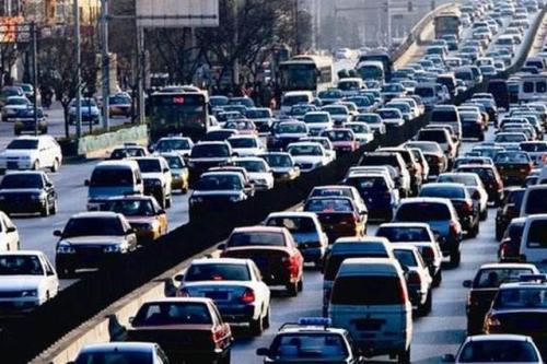 去年聊城注册机动车103226台 上牌时间减少到平均20分钟