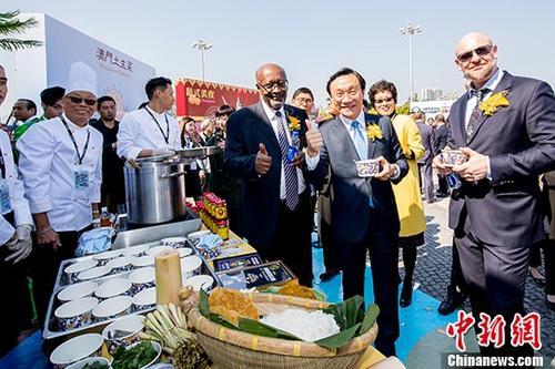 澳门美食飘香广州 猪扒包、葡挞、竹升面受欢迎