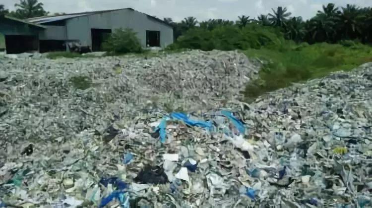 中国不收,英国把垃圾都送到这些国家去了