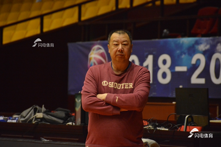 """劳模""""组合重现!吴庆龙:很幸运在困难时刻选择桑普森"""