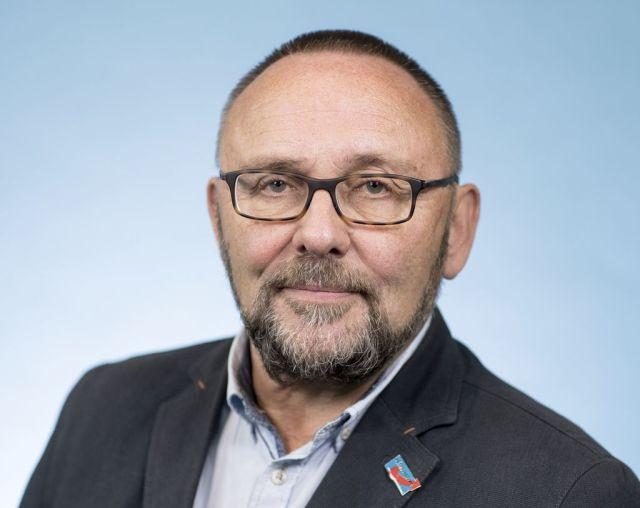 德国极右翼政党地方领导人遭当街暴打