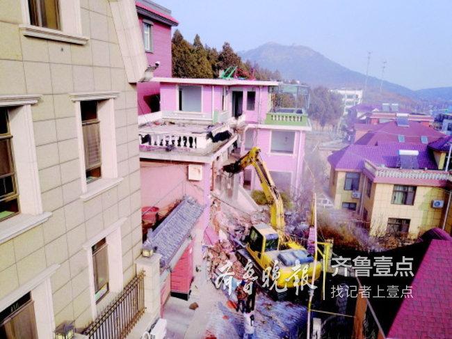 """济南金鸡岭再拆一座占地1000余平米的三层""""野别墅"""""""