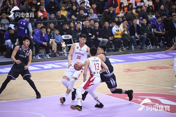 朱荣振砍下9分6篮板 CBA星锐队88-90惜败大学生南北联队