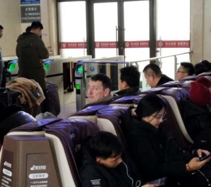昔日山东主帅凯撒现身山东 回应:会在北京待几天