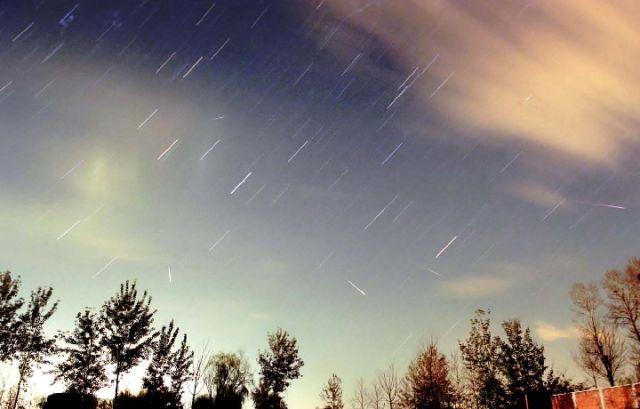 日本流星卫星升空 开卖人造流星雨