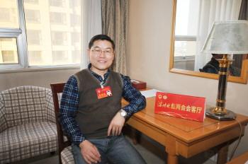 市政协委员杜元刚:中小学生校服应加装反光标识