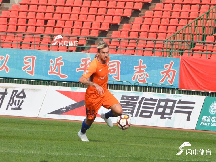 格德斯上演帽子戏法 鲁能4-2富力迎来广州热身赛三连胜