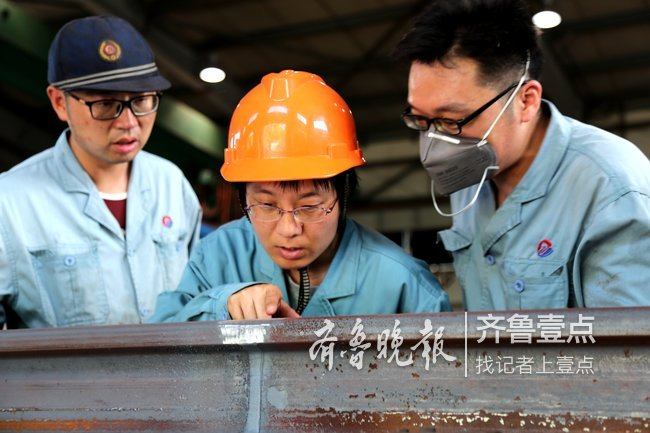 记者探访济南桑梓店焊轨基地:焊接头,巧绣娘聚毫厘
