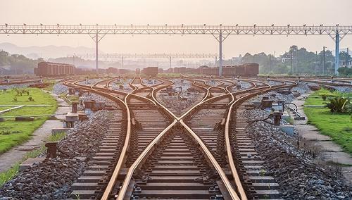 从事铁路客运20年 夫妻俩16个春节在列车上度过
