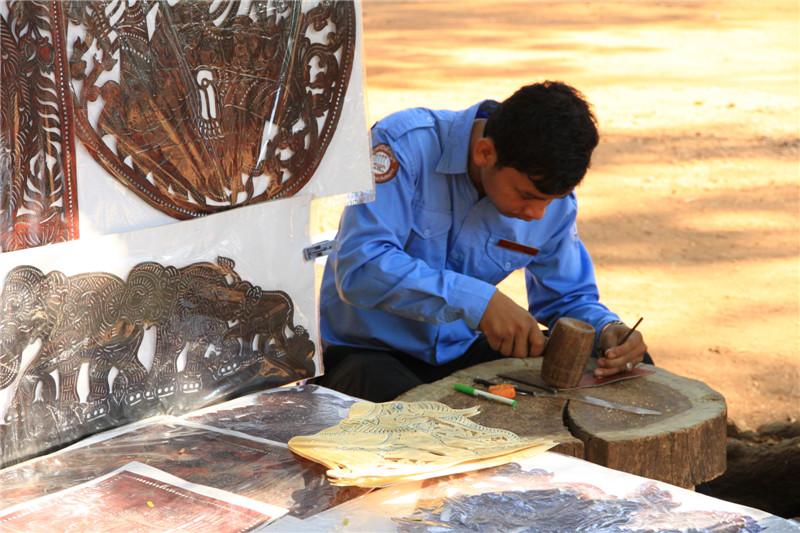 62、传统手工艺--牛皮雕刻画