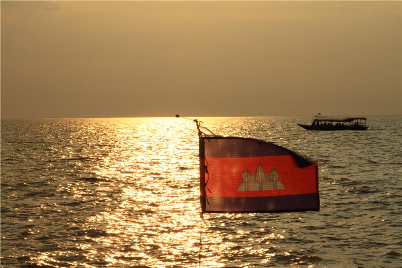 88、柬埔寨洞里萨湖,也称金边湖。雨季时宽度能达到100多公里,是东南亚最大的淡水湖泊