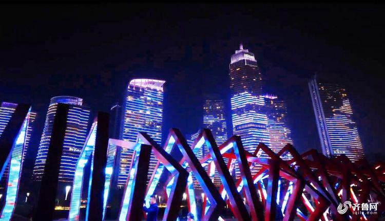 灯光走廊和远处大楼遥相辉映,突出城市科技感.jpg