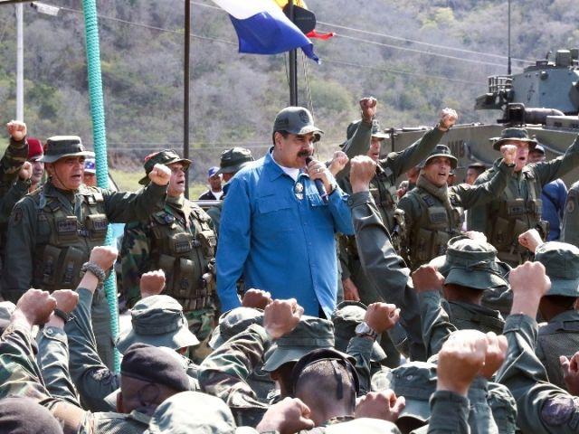 美国物资抵达委内瑞拉边境 委政府担心入侵