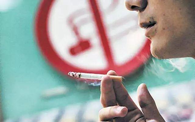 夏威夷出绝招:想抽烟,请先活到100岁!