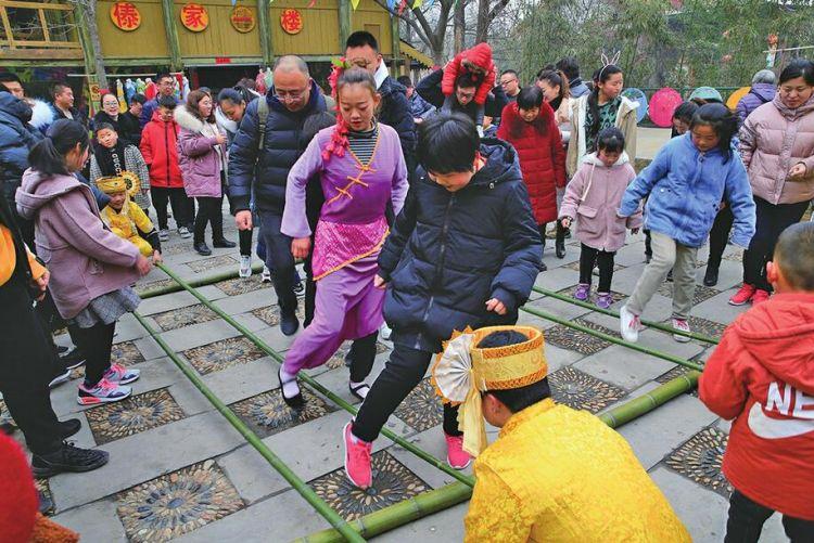 猪年春节年味足 特色旅游人气旺!全市假日接待游客357万人次