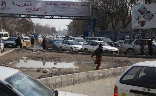 阿富汗有很多儿童,但没有童年