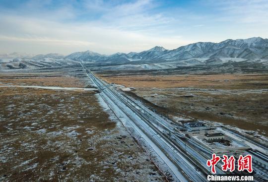 中铁兰州局多措解客流高峰 冰雪天温暖旅客出行路