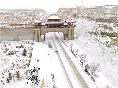 贫困县斥6200万巨资修建城门,只是为了优化招商环境?