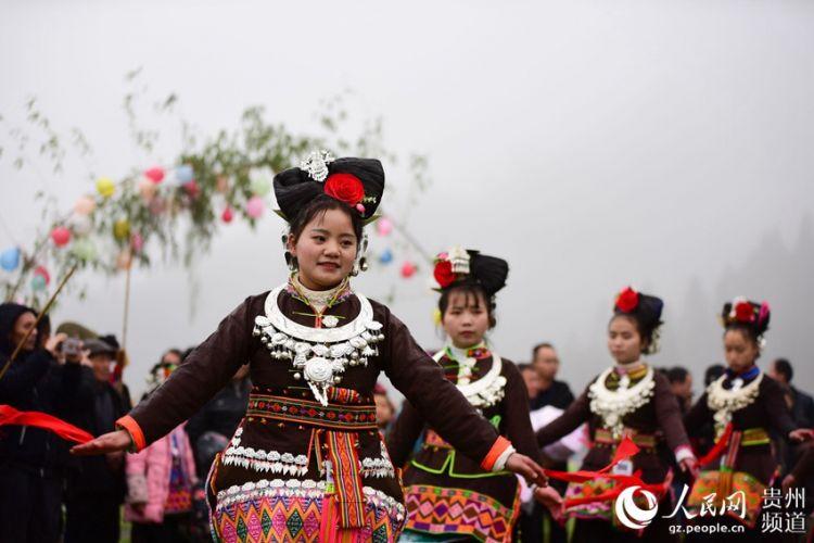 贵州丹寨:盛装起舞庆新春(高清组图)